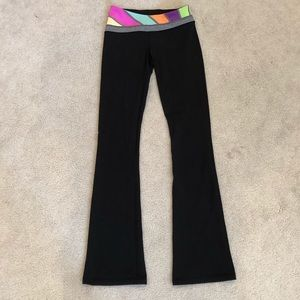 Ivivva yoga pants